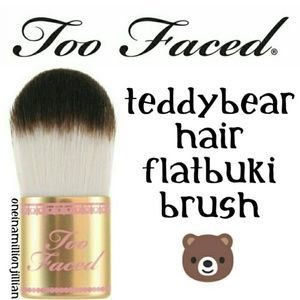 Too Faced Flatbuki Makeup Brush